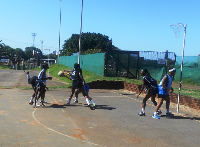 DUT team lost in all four quarters of the game, UNIZULU was too strong for them. Pictures by Khwaza Mbasa.